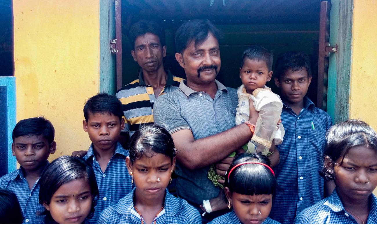 CONSTABLE OPENS SCHOOL FOR TRIBAL CHILDREN