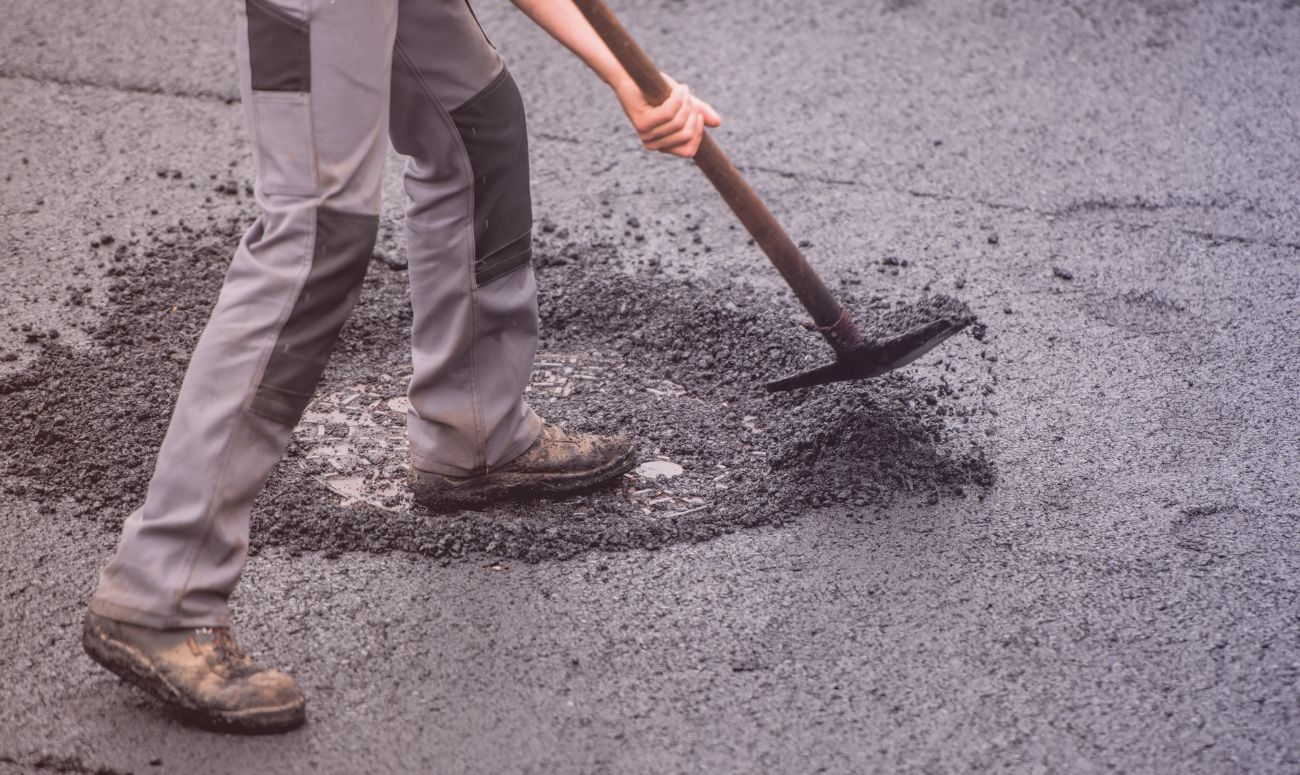 This Youngster Is Saving Lives By Filling Potholes!