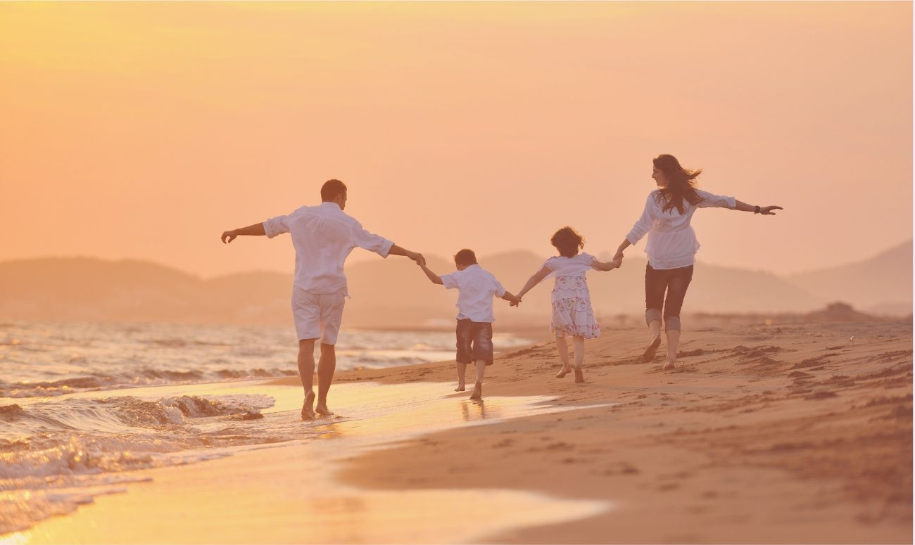 8 Effective Ways To Strengthen Family Relationships!